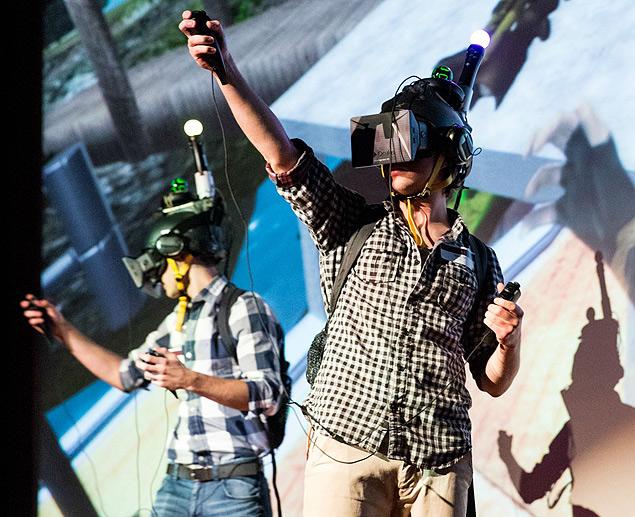 """""""[Holodeck]"""":http://www.projectholodeck.com/, projeto que une vários dispositivos de realidade virtual"""