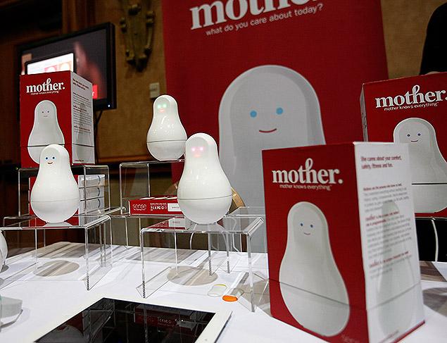 """O monitor de dados Mother durante o evento """"CES Unveiled"""", prévia da feira de tecnologia CES de Las Vegas"""