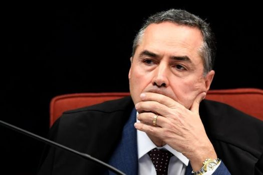 Brazilian Judge Luis Roberto Barroso attends a session of the Federal Supreme Court on June 20, 2017 in Brasilia. The court is considering a new arrest warrant against secluded senator Aecio Neves of the Brazilian Social Democracy Party (PSDB), who is accused of having received bribes from the owners of meat processing global giant JBS.
