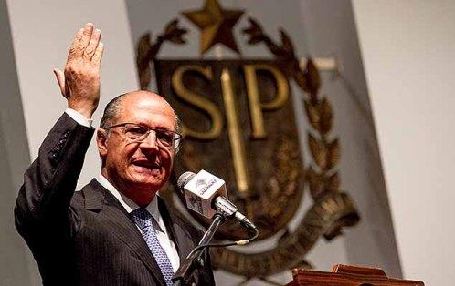 Alckmin disse que 'ninguém está acima da lei' e que é preciso confiar na Justiça, ao falar de Lula
