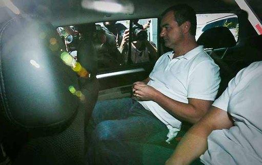 O empresário Joesley Batista deixa sede da Policia Federal, nesta segunda-feira (11), em São Paulo.