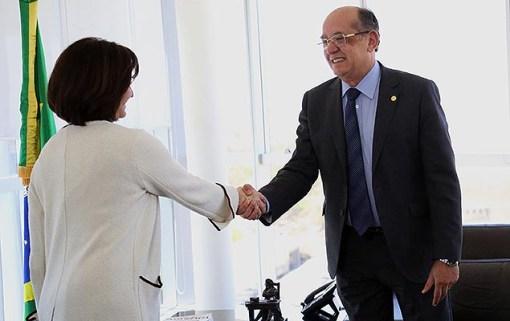 Ministro Gilmar Mendes recebe Raquel Dodge, que foi nomeada procuradora-geral da República, na sede do TSE, em Brasília