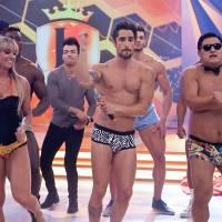 """Marcos Mion fica de cueca no palco do """"Legendários"""""""