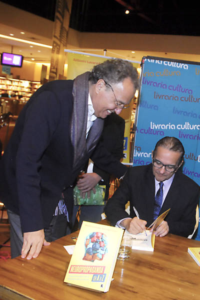 O publicitário Nizan Guanaes, o sociólogo Antonio Lavareda e o jornalista João Paulo Castro