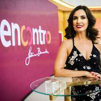Encontro com Fátima Bernardes 13/06/2017 – Fátima recebe a atriz Glória Pires e o ator Nando Rodrigues