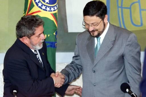 Resultado de imagem para Defesa quer que STF julgue habeas corpus de Palocci no mesmo dia do de Lula