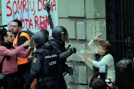 """Resultado de imagem para Primeiro-ministro espanhol diz que plebiscito catalão """"não existiu"""""""