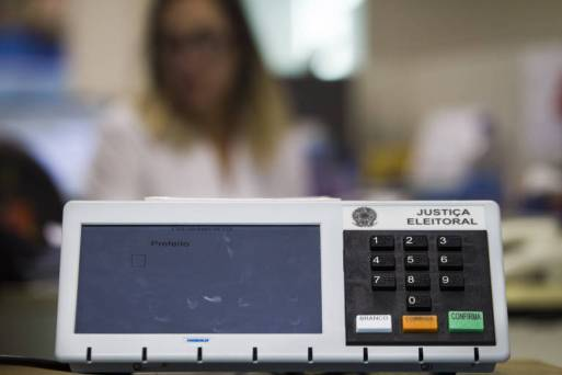 Urna eletrônica utilizada em votações no Brasil