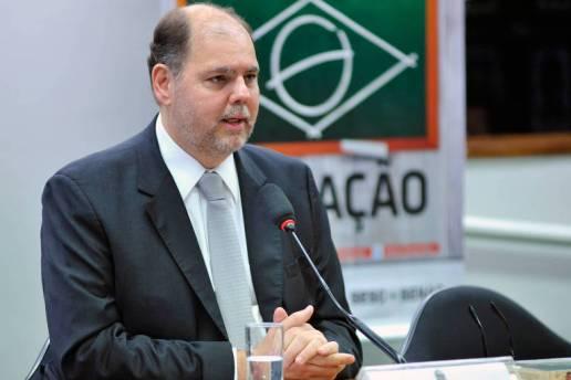 O deputado federal Alex Canziani durante sessão na Câmara dos Deputados