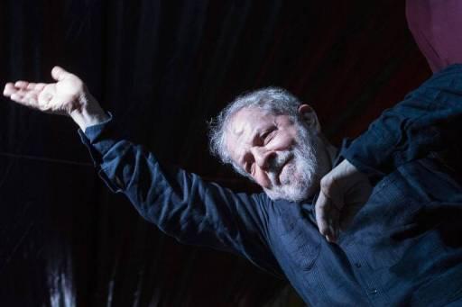 Lula passa pela cidade Palmeira das Missões, no RS, durante caravana pela região Sul do país