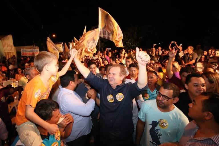 O governador interino Mauro Carlesse (PHS-TO) em campanha no Tocantins (Divulgação)