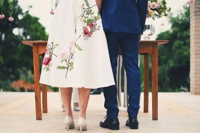 F5 - Celebridades - Klebber Toledo e Camila Queiroz se casam no civil em cerimônia íntima no interior de SP - 16/06/2018