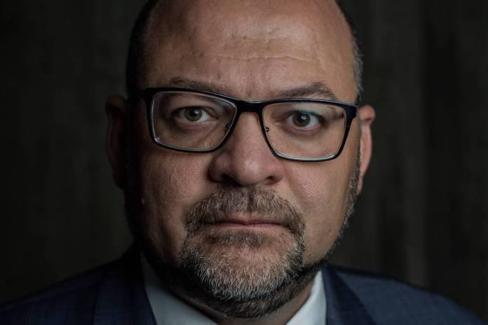 """Edson Araújo, economista sênior do Banco Mundial - """"Os médicos ganham mais que a média dos 10% mais ricos da população. Em outros países, não se chega nem perto disso. Precisamos refletir o retorno que se tem desse pagamento"""""""
