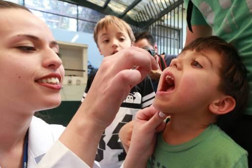 Campanhas de vacinação pelo país