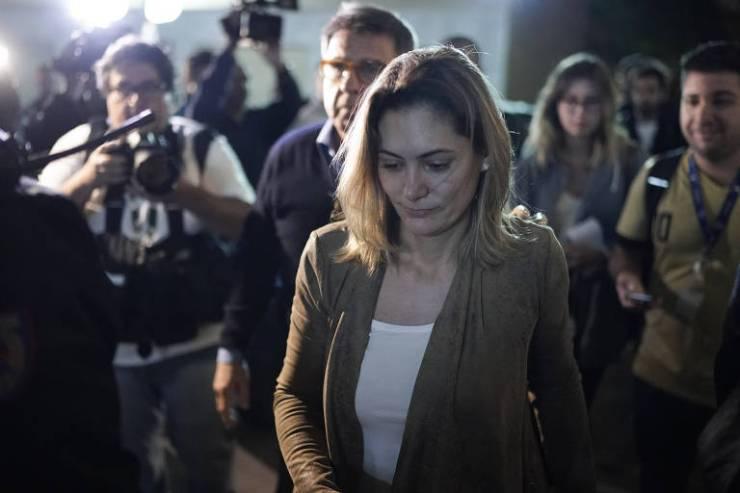 Michelle Bolsonaro, a mulher do candidato Jair Bolsonaro, chega ao hospital em Juiz de Fora