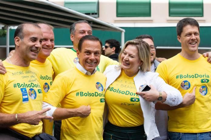 O candidato ao governo do estado de São Paulo João Doria (PSDB) vota na manhã deste domingo (28) em São Paulo
