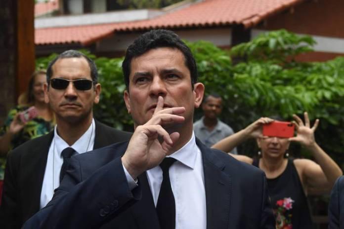 Sergio Moro após encontro em que aceitou o convite do presidente eleito, Jair Bolsonaro, para ser ministro da Justiça