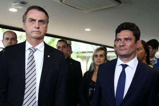 O presidente Jair Bolsonaro (PSL) ao lado do ministro Sergio Moro