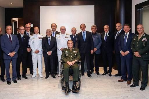 Skaf com o general Villas Bôas durante homenagem da Fiesp às Forças Armadas. Foto: Ayrton Vignola/Fiesp