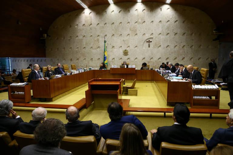 Plenário do STF em sessão; por 6 votos a 5, a corte decidiu em março de 2019 que processos envolvendo caixa dois (crime eleitoral) associado a delitos como corrupção e lavagem de dinheiro (crimes comuns) devem ser julgados pela Justiça Eleitoral.
