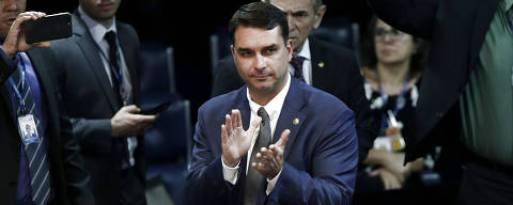 BRASÍLIA, DF, 06.02.2019 - Votação no Senado Federal define os membros da Mesa Diretora. O senador Flávio Bolsonaro (PSL-RJ) foi eleito 3º Secretário. O senador Davi Alcolumbre (DEM-AP) preside os trabalhos. (Foto: Pedro Ladeira/Folhapress)