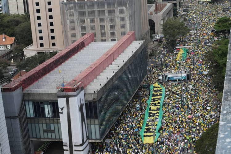 Manifestações contra oa favor do Impeachment da presidente Dilma Rousseff, em 2015