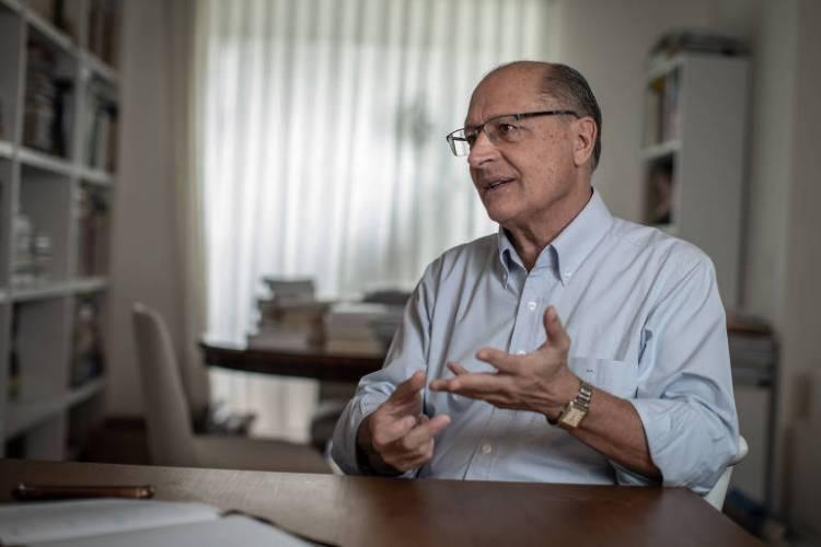O ex-governador de São Paulo Geraldo Alckmin, em sua casa em São Paulo