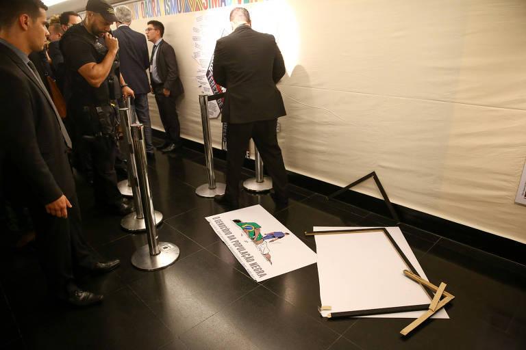 15741981785dd45ba229dd9 1574198178 3x2 md - Reação de deputado ao atacar obra prova que charge estava certa, diz cartunistaCarlos Latuff