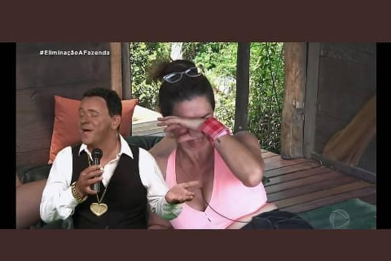 Humorista Márvio Lucio, o Carioca, imita Luiz Carlos em A Fazenda 12
