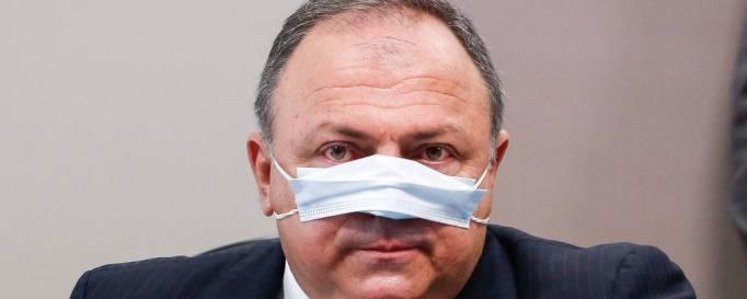General Pazuello tenta blindar Bolsonaro na CPI, reage a Renan e mente ao  menos quatro vezes - 19/05/2021 - Poder - Folha