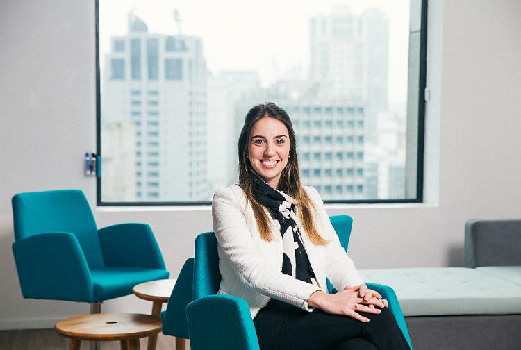São Paulo, SP, Brasil, 16-08-2017: Daniella Corsi, coordenadora jurídica da Votorantim. (foto Gabriel Cabral/Folhapress)