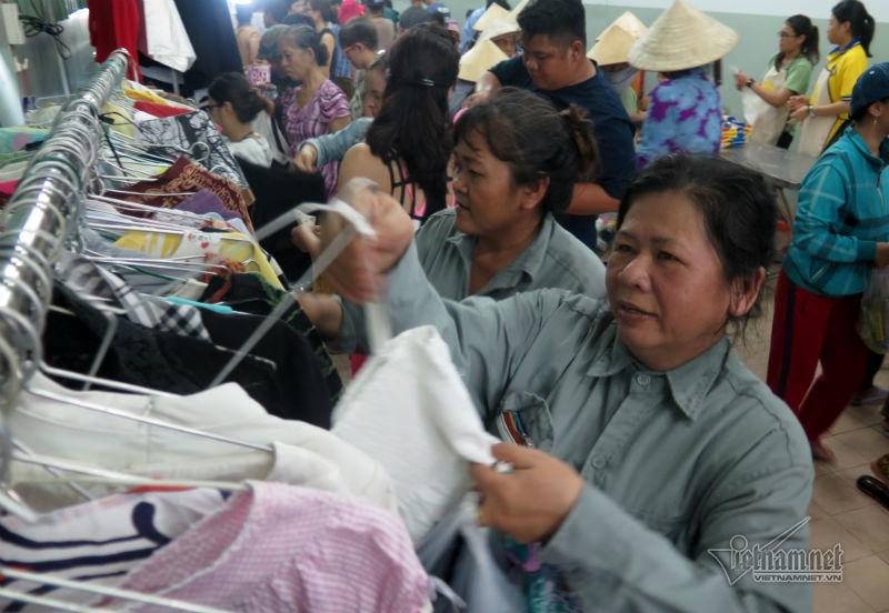 Người nghèo, chợ Tết, Sài Gòn, TP.HCM, Nụ cười