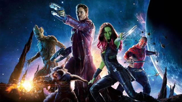 11. GUARDIANES DE LA GALAXIA. El Orbe, que oculta la Gema de la Realidad, es el eje de la película, una piedra que no puede ser portada por un mortal y que revela la naturaleza celestial de Peter Quill. La historia nos presenta a uno héroes nada comunes: Gamora, Groot, Rocket y Drax. Además, conocemos más sobre Thanos, el gran enemigo de la saga.