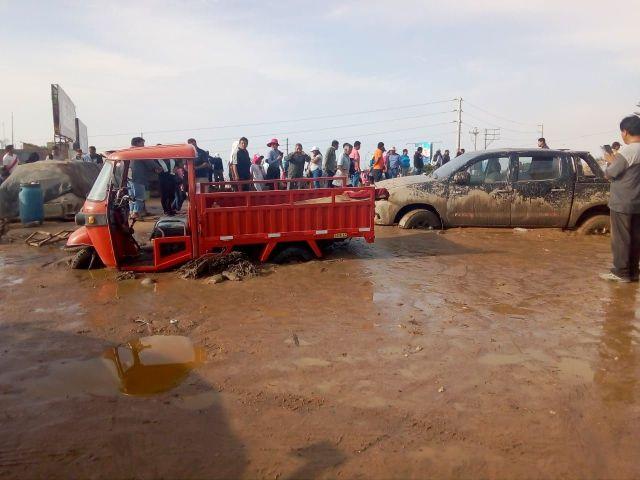 El ministro de Agricultura, Jorge Montenegro, informó que a penas lleguen a Tacna recibirán el reporte de atención a la emergencia a través del Centro de Operaciones de Emergencia Regional.
