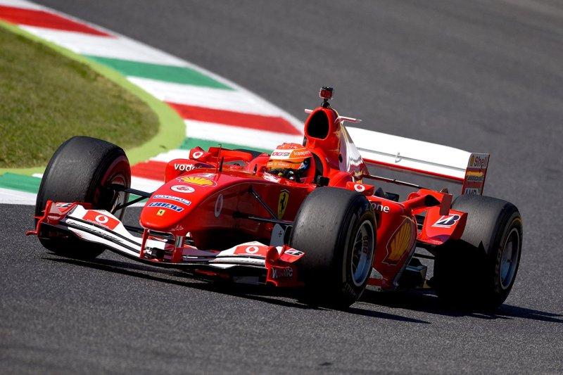 セバスチャン・ベッテル、フェラーリF2004の購入を検討しても、「高額すぎる」/ F1ニュース[F1-Gate.com]