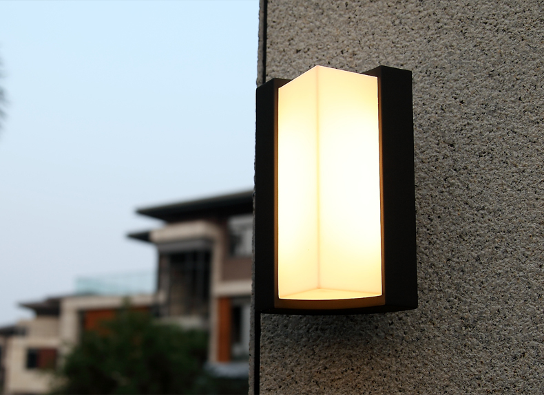 Lampu Dinding Outdoor