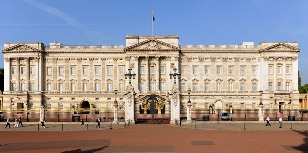 Kemegahan Arsitektur Klasik Buckingham Palace di London