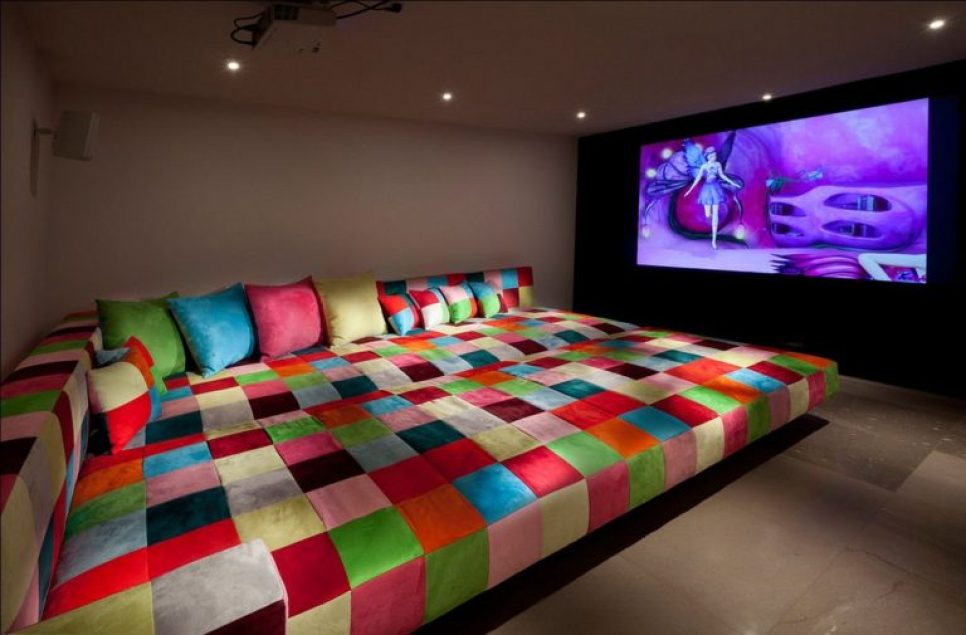 home-theater-warna-warni