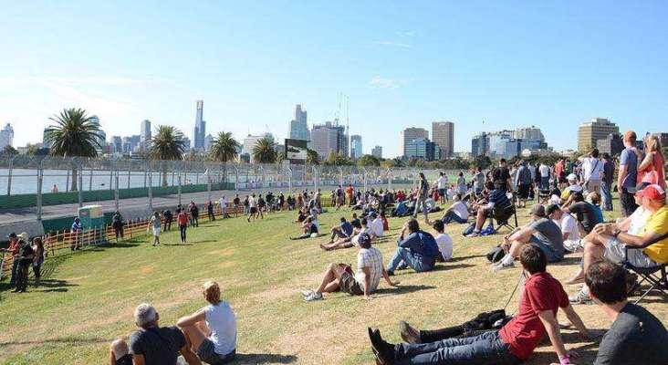 australian grand prix attendance