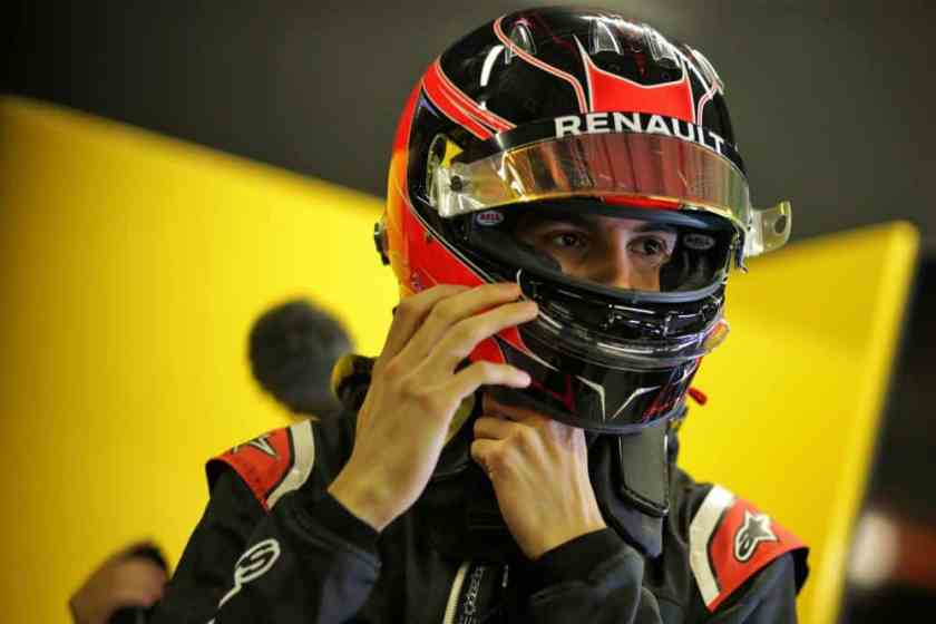 Casco Esteban Ocon Test Renault 2019 2020