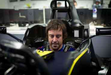 alonso barcellona renault