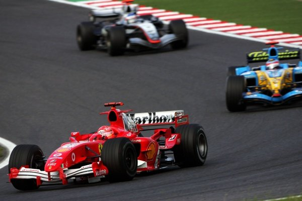 Schumacher-Ferrari-Alonso-Renault-Raikkonen-McLaren-Suzuka-Japon-2005