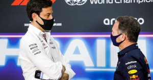Horner defends poaching staff from rivals Mercedes