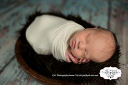 Colton Newborn May 2016 070