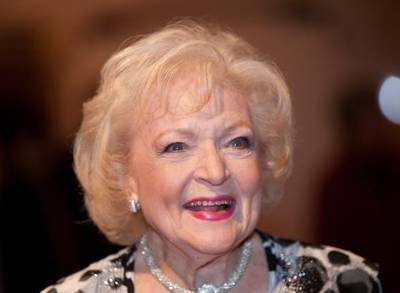 betty white is victim of hoax after fans misread satirical story about 92 year old s dye
