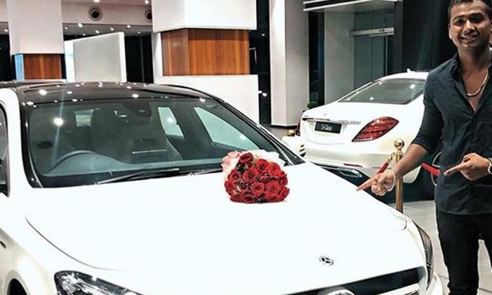 ఇల్లే లేదన్నాడు అప్పుడే బెంజ్ కారు కొన్నాడు ఎలా? Telugu Tollywood Movie Cinema Film Latest News-Rahul Purchase Own House And Benz Car-Rahul Getting Cinima Offers
