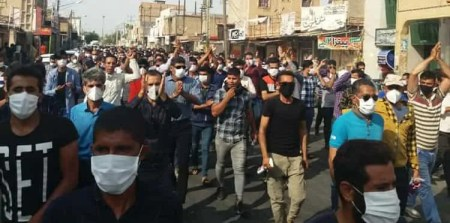 تداوم اعتصاب کارگران نیشکر هفتتپه با شعار« کارگر زندانی آزاد باید گردد» -  ایران آزادی