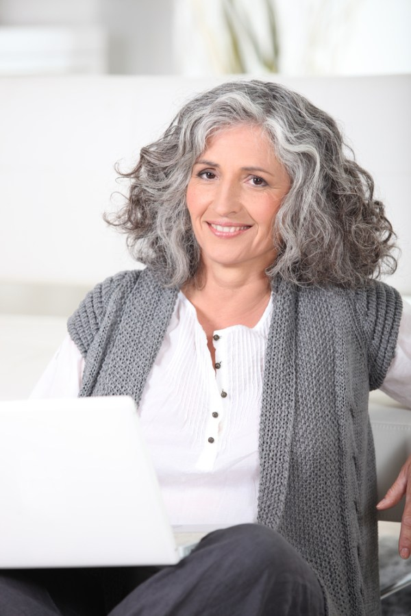 How to Grow Out Grey Hair Gracefully | Letting Grey Hair ...