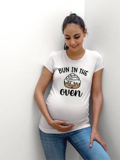 Bun In The Oven Print Funny Maternity tee