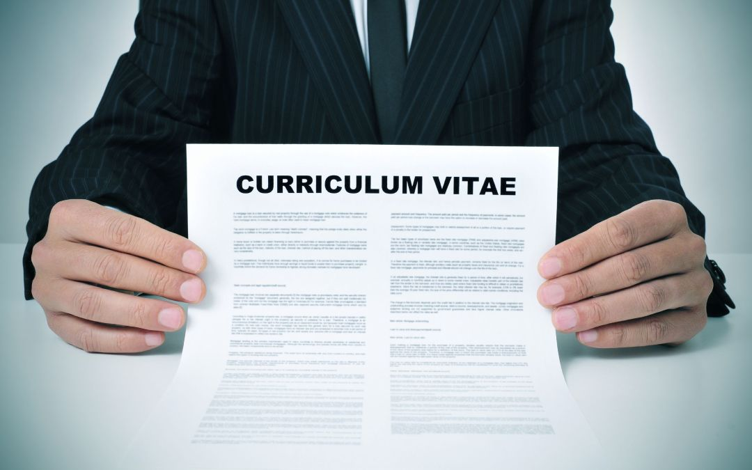 Dos pasos para construir un curriculum de éxito